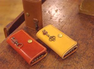 s.ukawa 手縫いレザー 三つ折りキーケース